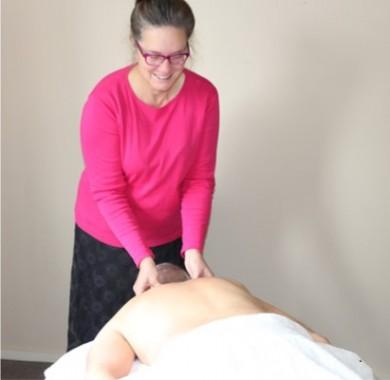 Erna Henning - Massage therapist, mindfulness teacher and meditator.